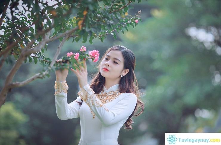Top 4 chòm sao nữ xinh đẹp đáng yêu, mệnh danh là hoa hồng có gai